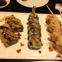Photo taken at Ninki Japanese Bistro by Chitquita on 7/22/2012