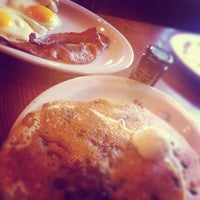 Photo taken at Cracker Barrel Old Country Store by Aileen T. on 7/8/2012