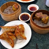 Photo taken at Shui Wah by Ariel F. on 5/26/2012