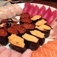 Foto tomada en Sushi Sake por Vvv L. el 5/25/2012