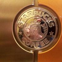 Foto tirada no(a) Starbucks por Marcel A. em 9/7/2012