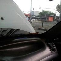 Photo taken at Transmetro Estación Atlántico by Combomix M. on 6/13/2012