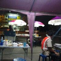 Photo taken at สเต็กลุงหนวด ราชพฤกษ์ by PoohAee K. on 6/8/2012