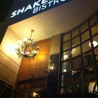 Photo taken at Shakespeare Coffee & Bistro by Ertuğrul Y. on 5/29/2012