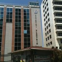 Foto scattata a Boğaziçi Elektrik Genel Müdürlüğü (Bedaş) da ' VIP I. il 8/8/2012