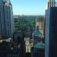 Foto tomada en Le Parker Méridien New York por Hayley D. el 6/15/2012