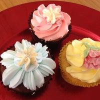 Photo taken at Lee's Flower &Bread by Seulki L. on 5/10/2012