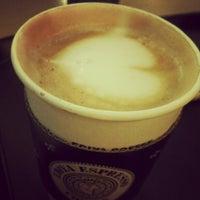 Photo taken at EDIYA COFFEE by Bongjun H. on 6/11/2012