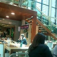 Foto tirada no(a) Matsubara Hotel por Darcy F. em 4/17/2012