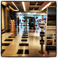 Foto tirada no(a) Centro Commerciale Parco Leonardo por Christian Evren L. em 3/31/2012