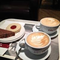 รูปภาพถ่ายที่ Costa Coffee โดย Mrs_M1996 เมื่อ 3/13/2012
