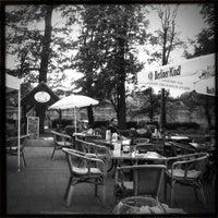 7/23/2012 tarihinde Big F.ziyaretçi tarafından Café am See'de çekilen fotoğraf