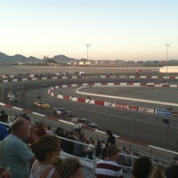 Foto tirada no(a) Bullring at Las Vegas Motor Speedway por Javier K. em 6/17/2012