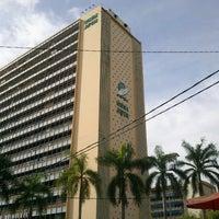 Foto diambil di Jabatan Ukur Dan Pemetaan Malaysia (JUPEM) oleh Syed Ashraf A. pada 7/25/2012