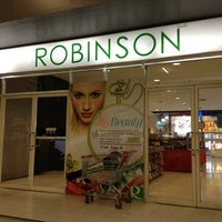 Photo taken at Robinson by 👙Tippy👒 S. on 2/18/2012