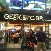 Photo taken at Geek.Etc.Br by Marina C. on 7/14/2012