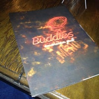Foto tirada no(a) Buddies Burger & Beer por Sergio E. em 7/13/2012