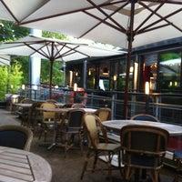 Das Foto wurde bei River Café von Virginie L. am 8/1/2012 aufgenommen