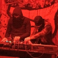 Das Foto wurde bei Loophole von Espen S. am 3/15/2012 aufgenommen