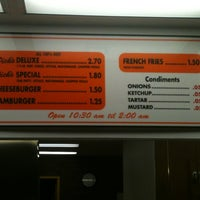 Photo taken at Dick's Drive-In by Sandra Valley B. on 7/12/2012