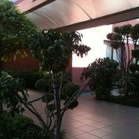 รูปภาพถ่ายที่ Quality Inn โดย Santiago H. เมื่อ 4/10/2012