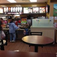 3/30/2012にDennis D.がMcDonald'sで撮った写真