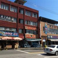 Photo taken at 풍어횟집 by KJ🎗 on 8/5/2012