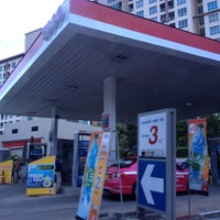 Photo taken at Esso Gas Station - Ladprao 38 by KittiMa .. on 7/18/2012
