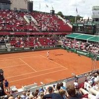 Foto tirada no(a) Båstad Tennis Stadium por Thomas B. em 7/14/2012