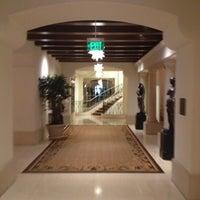 Photo prise au Montage Beverly Hills par Brett Y. le5/31/2012