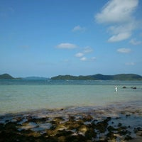Photo taken at Sea Breeze @ Koh Mak by Aye on 8/12/2012