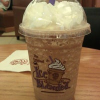 Photo taken at The Coffee Bean & Tea Leaf by Michael V. on 5/3/2012