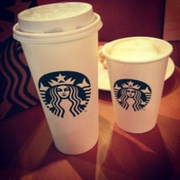 Photo taken at Starbucks by Paulo L. on 7/16/2012