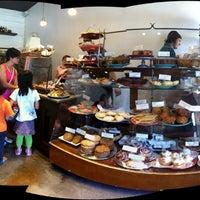 Foto tirada no(a) Macrina Bakery por C.Y. L. em 5/26/2012
