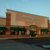 Photo taken at Barnes & Noble by Kelly G W. on 7/24/2012