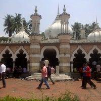 Photo taken at Masjid Jamek Kuala Lumpur by Ahmad Najho on 8/10/2012