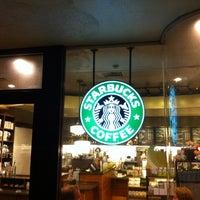 Das Foto wurde bei Starbucks von kowagari am 7/30/2012 aufgenommen