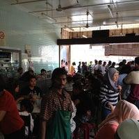 Photo taken at Nasi Ganja Yong Suan by Fadhlur Rahman A. on 8/31/2012
