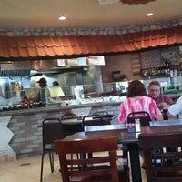 รูปภาพถ่ายที่ Aladdin's Mediterranean Cuisine โดย Geri D. เมื่อ 9/1/2012