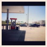 Снимок сделан в H-E-B пользователем Rashida J. 4/21/2012