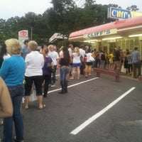 Photo taken at Cliff's Homemade Ice Cream by William V. on 6/24/2012