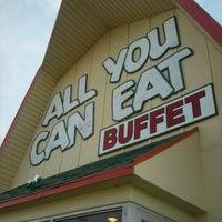 Photo taken at Red Oak Restaurant (Buffet) by Jennifer L. on 9/5/2012