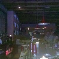 Foto scattata a BarBaresco da E. Vincent il 6/26/2012