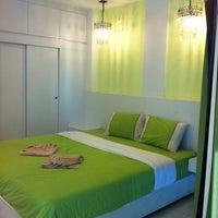 Photo taken at โรงแรมนานาชาติบางแสน by Yuwaree W. on 4/29/2012