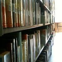 8/28/2012 tarihinde Yavuz Selim E.ziyaretçi tarafından Aptullah Kuran Kütüphanesi'de çekilen fotoğraf