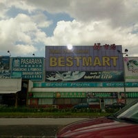 Photo taken at Bestmart by Mkn A. on 2/25/2012