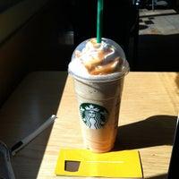 Das Foto wurde bei Starbucks von Raymond E. am 3/2/2012 aufgenommen