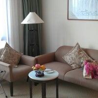 Photo taken at Meritus Mandarin Hotel by Markus K. on 6/19/2012