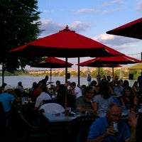 รูปภาพถ่ายที่ John Wright Store & Restaurant โดย John A. เมื่อ 6/16/2012