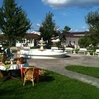 Снимок сделан в Ресторан «Бабушкин сад» пользователем Анна С. 8/19/2012